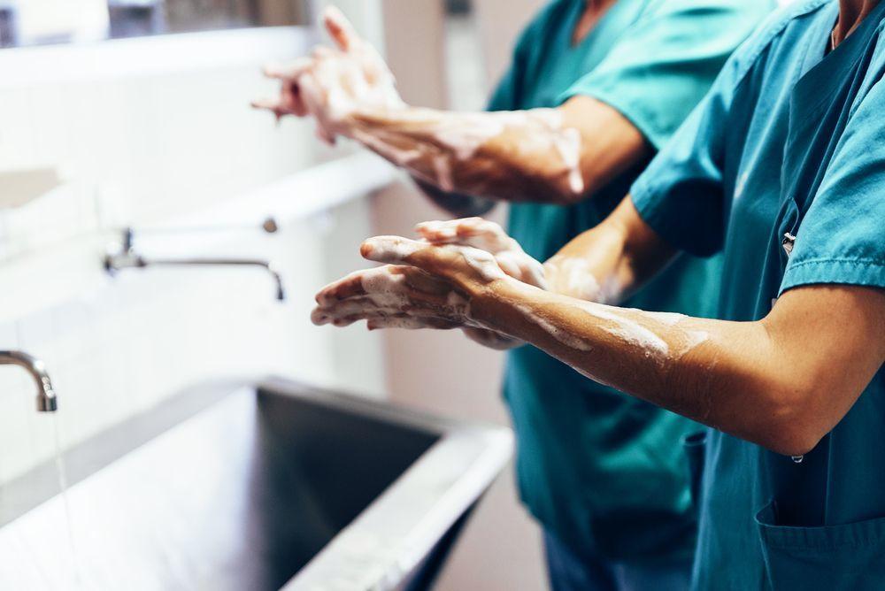 Le lavage des mains et la désinfection sont les clés de la prévention de l'infection convoitée